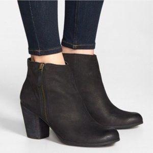 Nordstrom BP black heeled Trolley booties